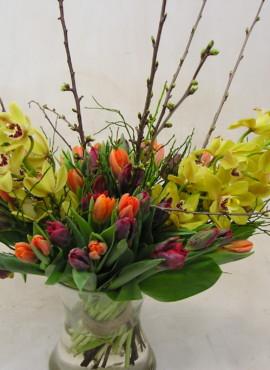 Boeket met Orchideeën en Tulpen