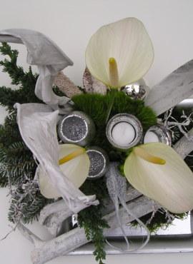 kerstbloemstuk wit